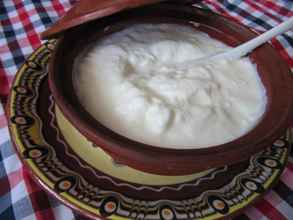 гозби, цедено кисело мляко