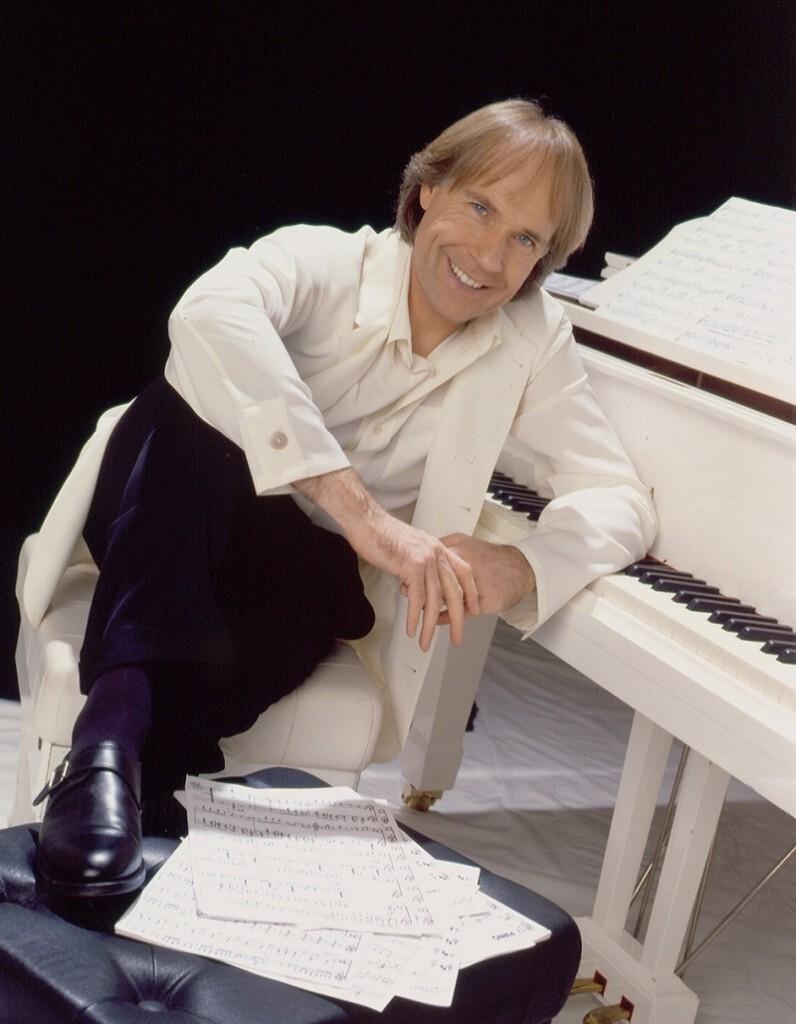 white jacket piano sm