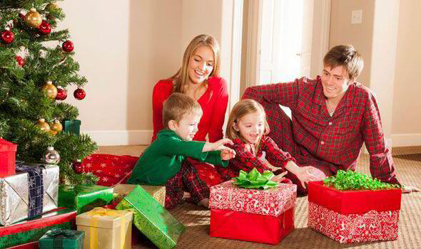 christmas-gifts-for-children-lcn5x6z1