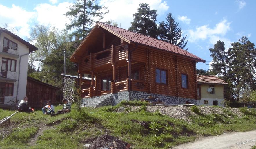 дървени къщи