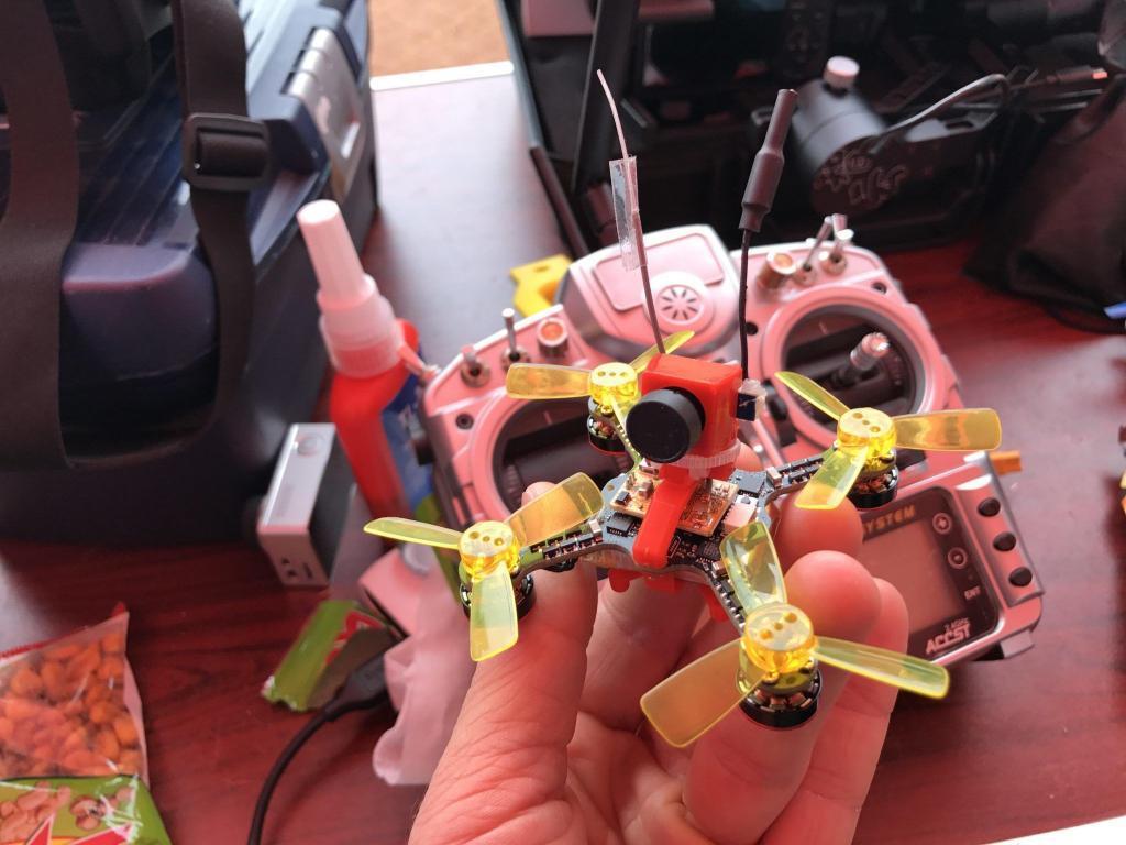 състезание за микро дронове