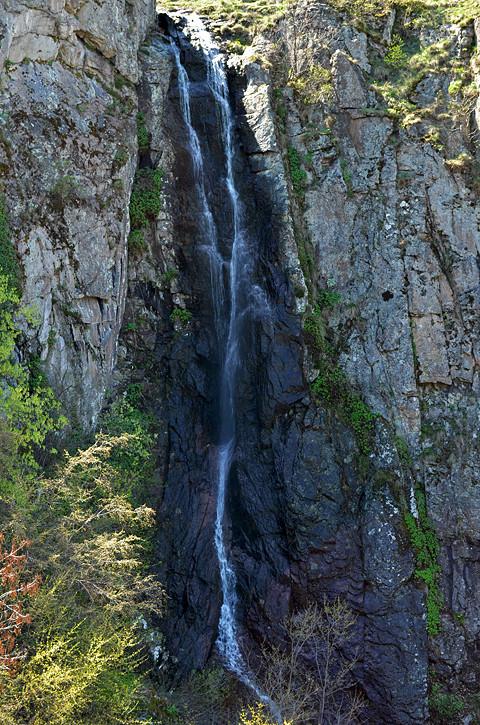 Устинският водопад