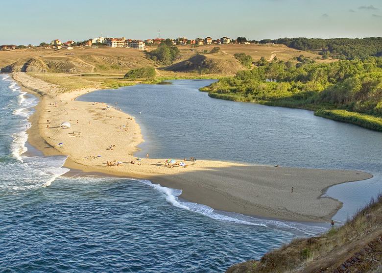 Плаж Устието